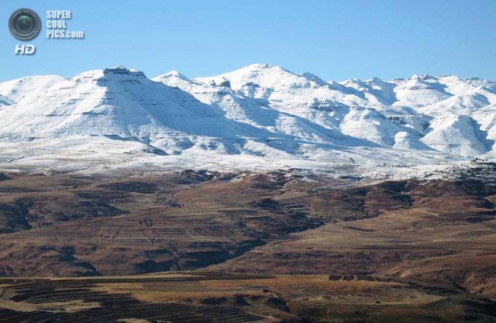 Лесото. Малеалеа, Мафетенг. Снег в Драконовых горах. (Di Jones)