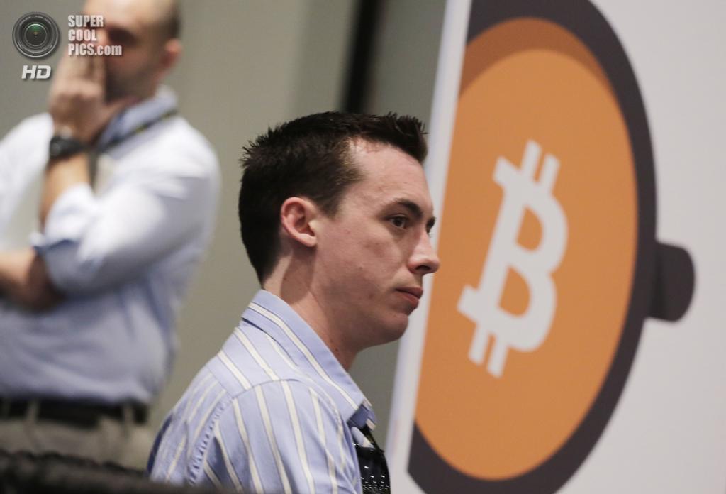 США. Нью-Йорк. 7 апреля. Кёртис Фенимор, основатель Bitcoin Bigfoot, среди участников конференции. (AP Photo/Mark Lennihan)