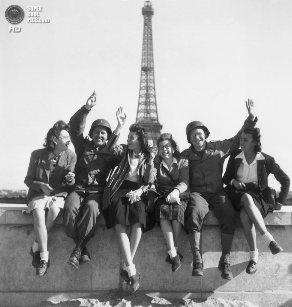 Франция. Париж. Эйфелева башня. 1944 год. (RDA/Getty Images)