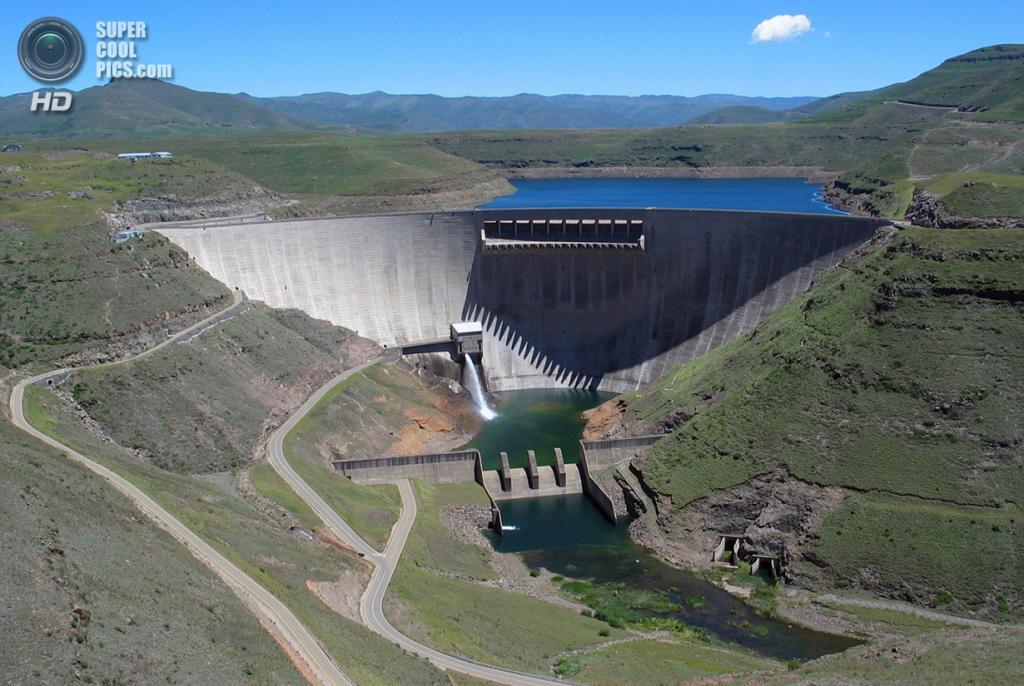 Лесото. Катсе, Таба-Цека. 11 декабря 2005 года. Вопреки наличию алмазных залежей, главное сокровище Лесото — чистейшая вода. (Christian Woertz)
