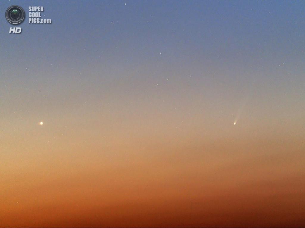 Категория: Piggyback Cameras, 2 место. Комета ISON и Меркурий. (Gaeul Song)