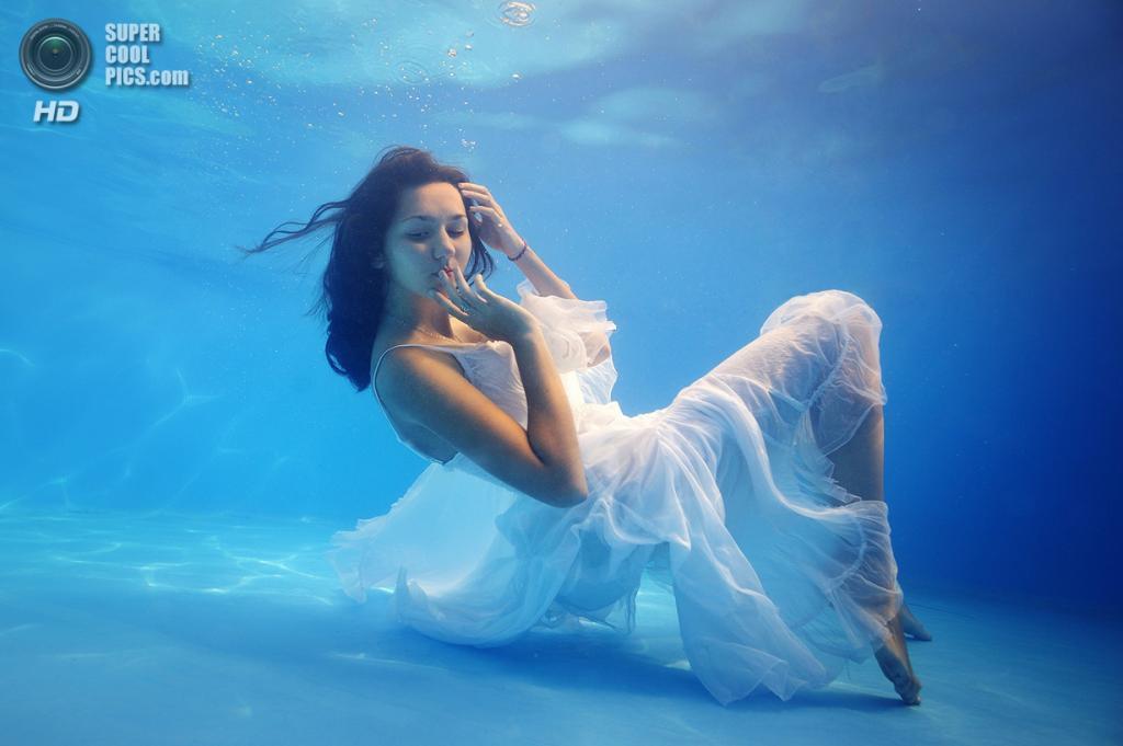 Категория: Fashion. 2 место. (Nadia Kulagina/UnderwaterPhotography.com)