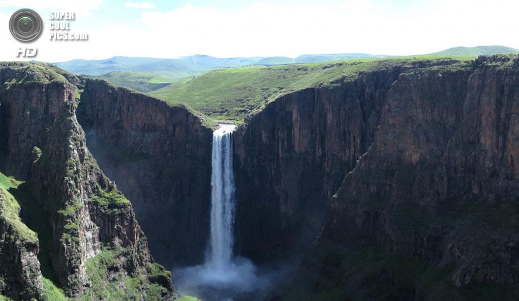 Лесото. Семонконг, Масеру. Водопад Малетсунъяне высотой 192 м. (Graham Maclachlan)