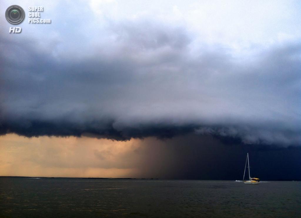 Шторм приближается к острову Святой Катерины. Фотография сделана на iPhone 4. (Darlene Jensen/Smithsonian.com)