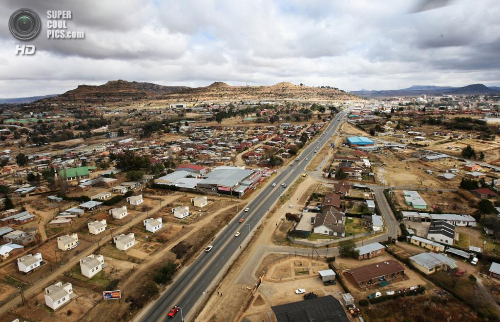 Лесото. Масеру. 9 июля 2008 года. Вид на столицу с высоты птичьего полёта. (Chris Jackson/Getty Images)