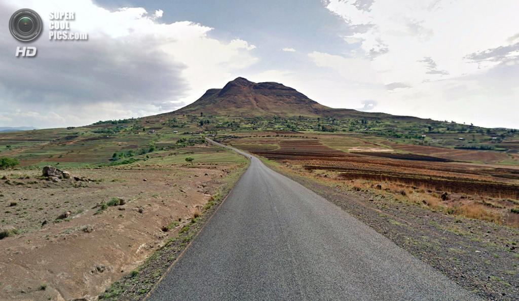 Лесото. Матека, Берья. Дорожное полотно, ведущее в столицу. (Google)