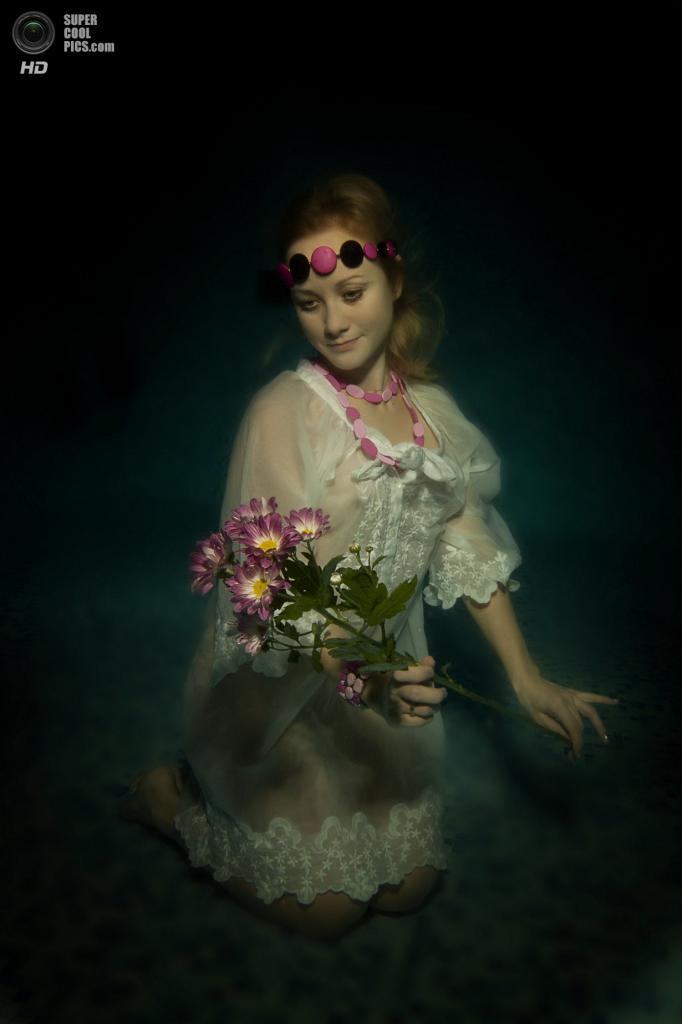 Категория: Fashion. 1 место. (Dmitry Vinogradov/UnderwaterPhotography.com)