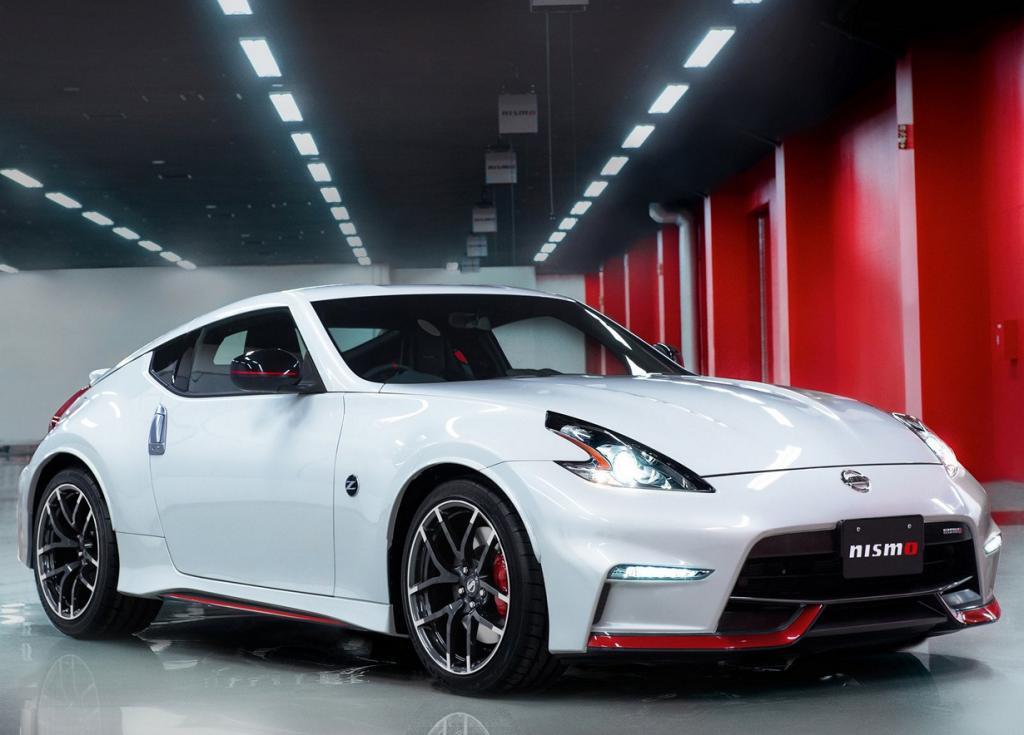Nissan 370Z в новой спортивной обработке (18 фото)