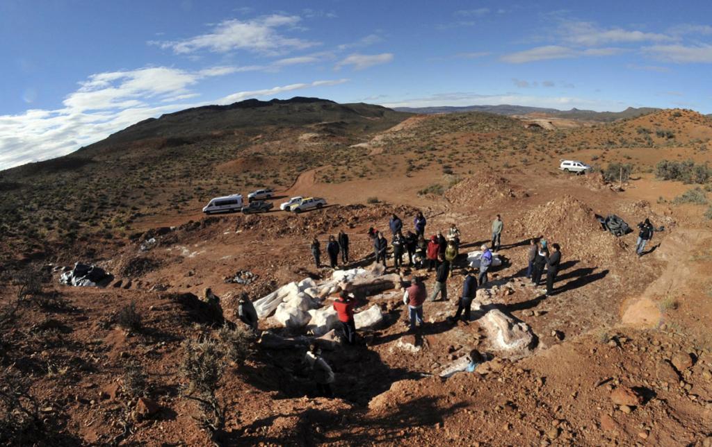 В Аргентине нашли останки титанозавра (9 фото)