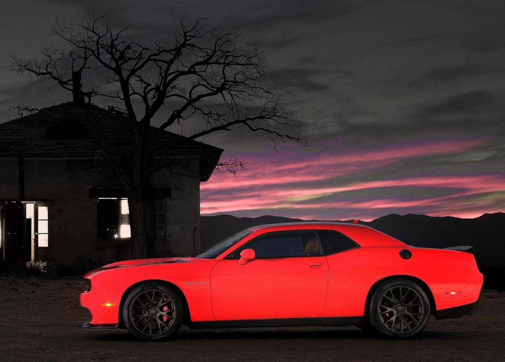 Мускулистая «ведьма» от Dodge и SRT (25 фото + HD-видео)