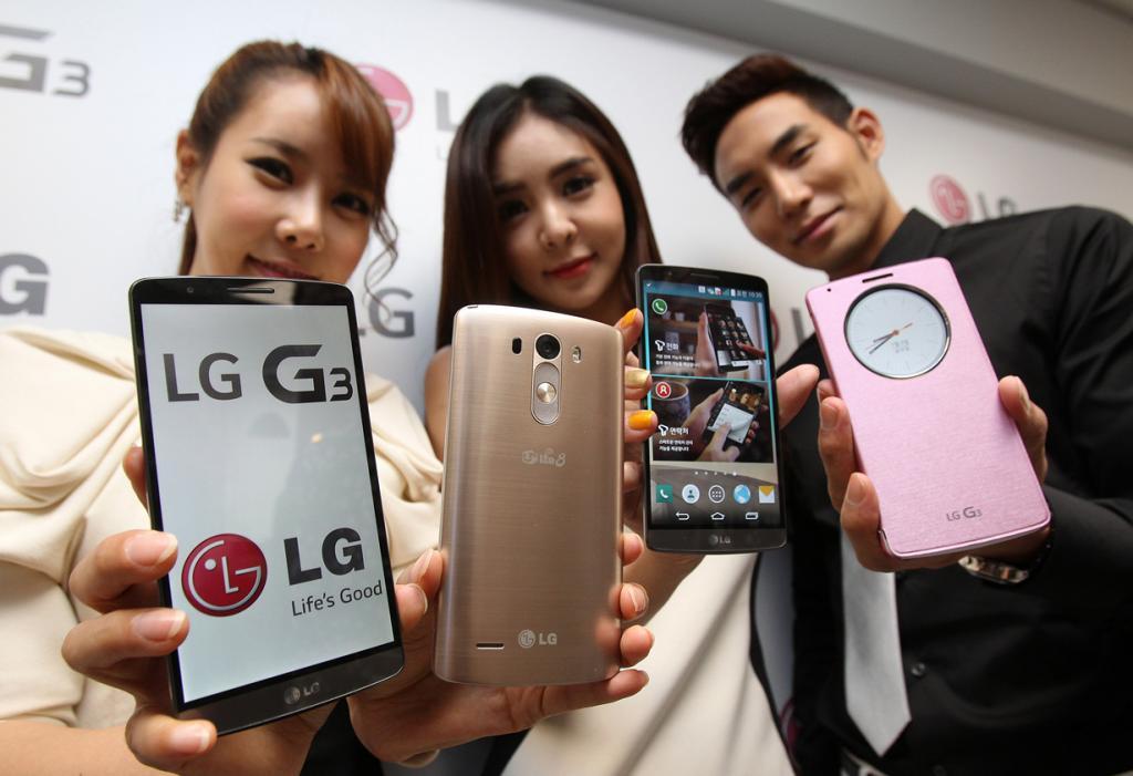 Южная Корея. Сеул. 28 мая. Во время презентации Android-смартфона LG G3. (AP Photo/Ahn Young-joon)