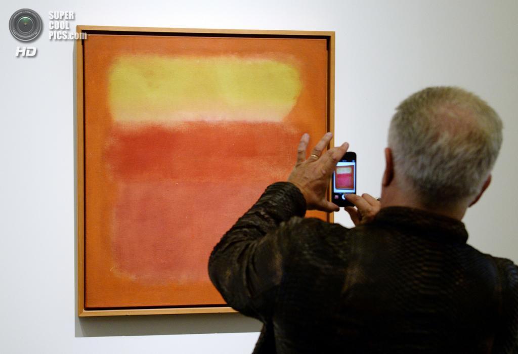 США. Нью-Йорк. 2 мая. Картина Марка Ротко «Untitled» на выставке аукционного дома «Сотбис». (EMMANUEL DUNAND/AFP/Getty Images)