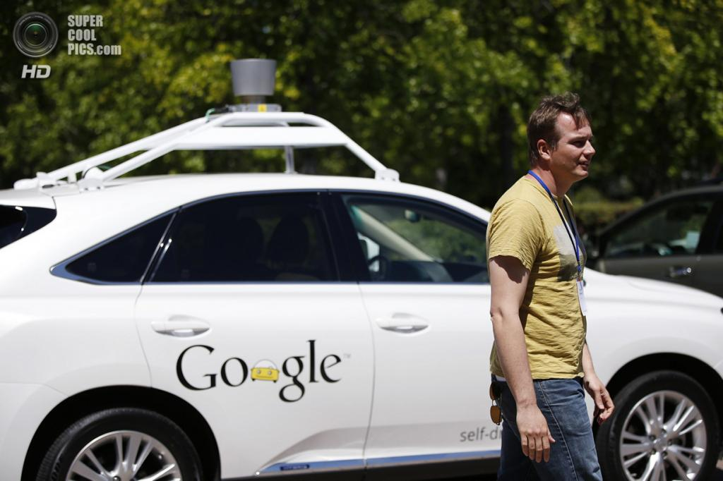 США. Маунтин-Вью, Калифорния. 13 мая. Руководитель проекта беспилотного автомобиля Google Крис Урмсон. (REUTERS/Stephen Lam)
