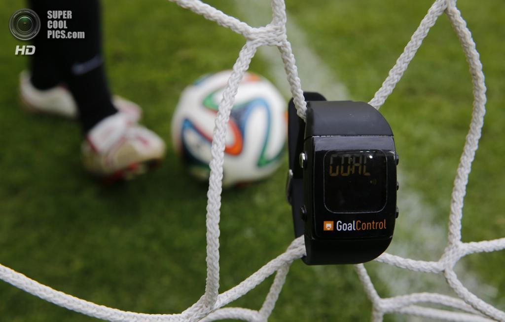 Германия. Ахен, Демонстрация системы автоматического определения голов GoalControl-4D, которая используется на чемпионате мира по футболу 2014 года