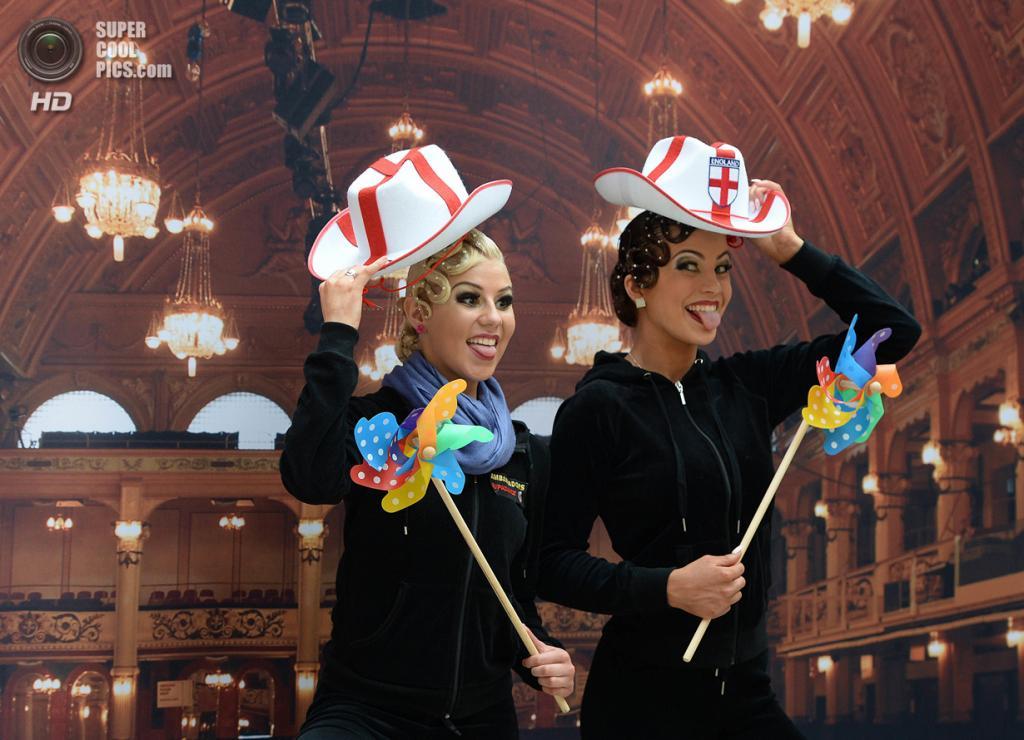 Великобритания. Блэкпул, Ланкашир. 27 мая. Во время Фестиваля Танца. (Nigel Roddis/Getty Images)
