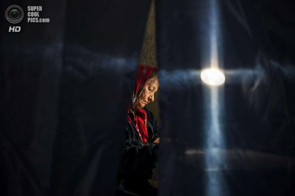 Украина. Донецк. 11 мая. Во время референдума о самоопределении Донецкой народной республики. (AP Photo/Manu Brabo)