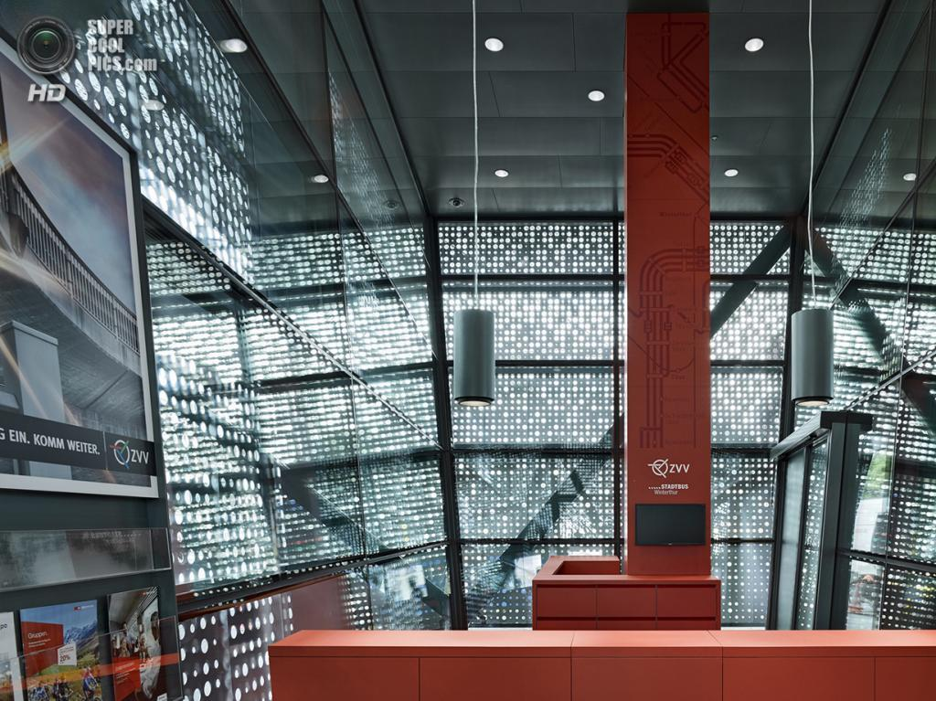 Швейцария. Винтертур, Цюрих. Автобусная станция Bahnhofplatz, спроектированная Stutz Bolt Partner. (Michael Haug)
