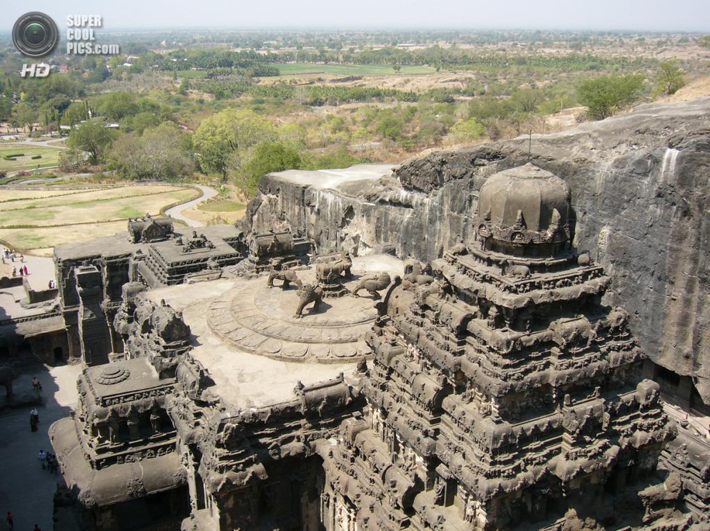 Индия. Эллора, Махараштра. Пещерные храмы. (Leon Meerson)