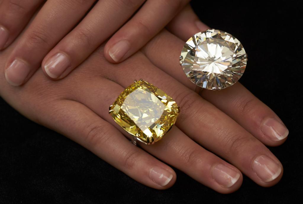 Бриллианты-гиганты на аукционе Sotheby's (6 фото)