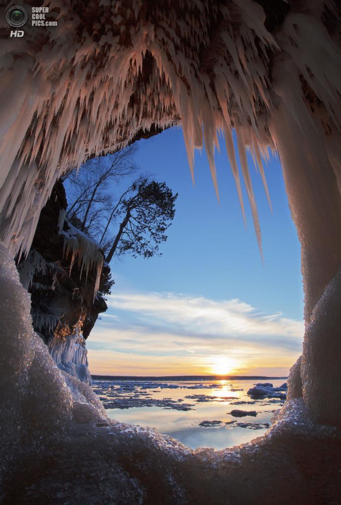 Второе место: Национальное побережье озера Апосл-Айлендс. (Michael DeWitt)