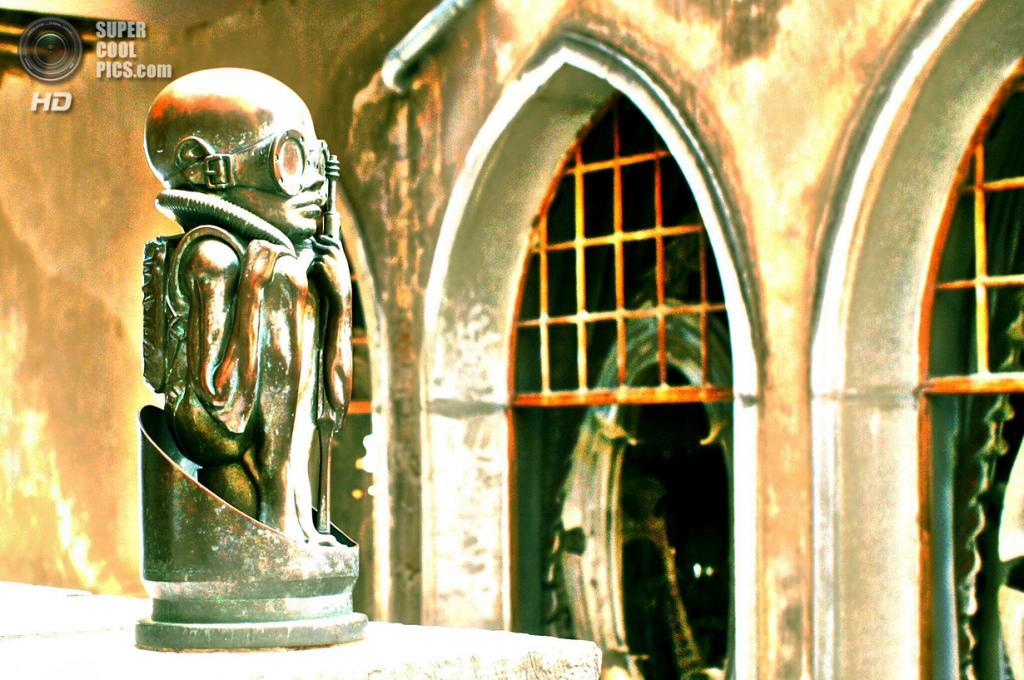 Швейцария. Грюйер, Фрибур. Музей Ганса Рудольфа Гигера. (©theWolfsEye☼)