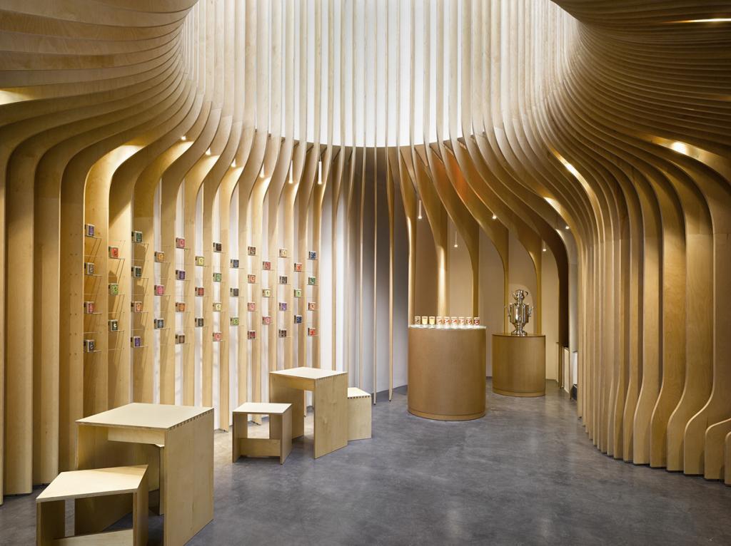 Чехия. Прага. Чайный магазин T-Boutique, спроектированный Studio Pha. (Filip Šlapal)