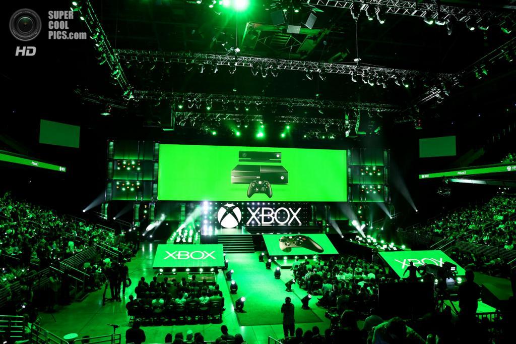 США. Лос-Анджелес, Калифорния. 9 июня. Журналисты собираются в зале на брифинг Microsoft. (Matt Sayles/Invision for Microsoft/AP Images)