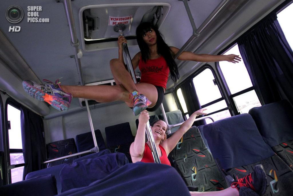 Секс в метро автобусе 11 фотография
