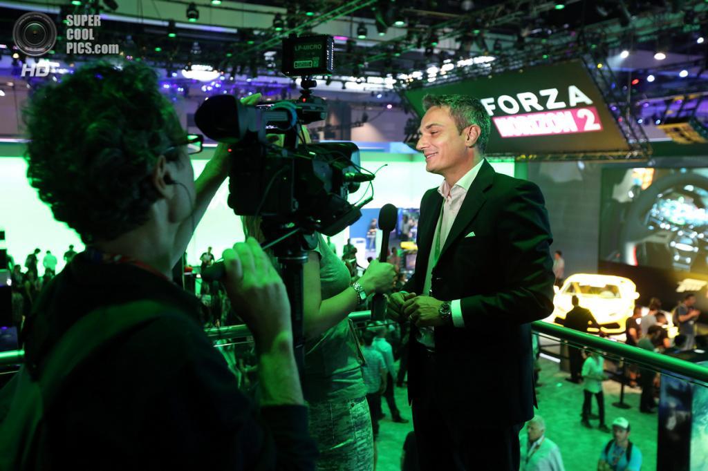 США. Лос-Анджелес, Калифорния. 10 июня. Презентация игры «Forza Horizon 2». (Casey Rodgers/Invision for Microsoft/AP Images)