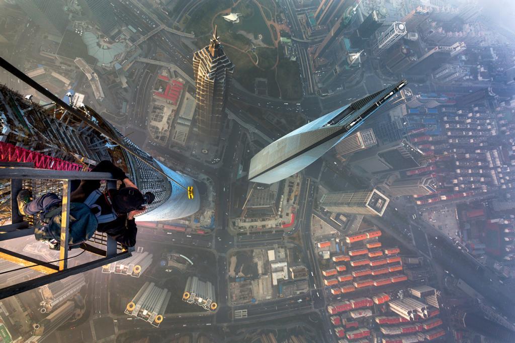 1. Шанхайская башня, Шанхай. Высота: 632 м. Введение в эксплуатацию: 2014 год. (Vitaly Raskalov/Caters News)