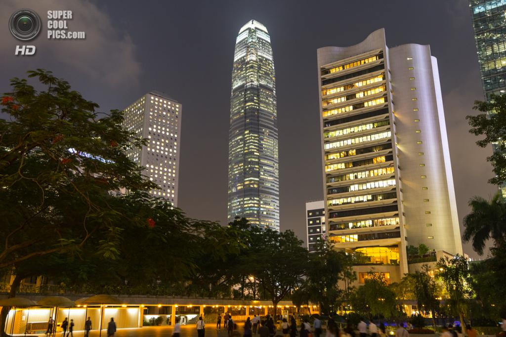 8. Международный финансовый центр, Гонконг. Высота: 412 м. Введение в эксплуатацию: 2003 год. (ADTeasdale)