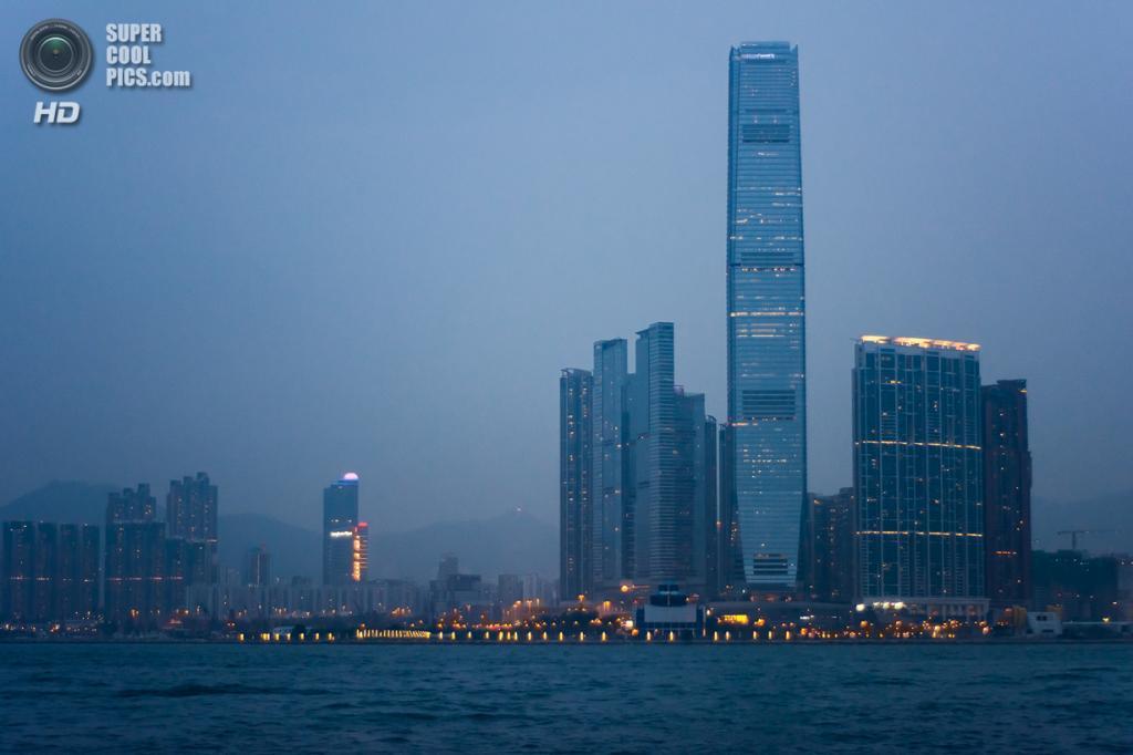 3. Международный коммерческий центр, Гонконг. Высота: 484 м. Введение в эксплуатацию: 2010 год. (chrmoe)