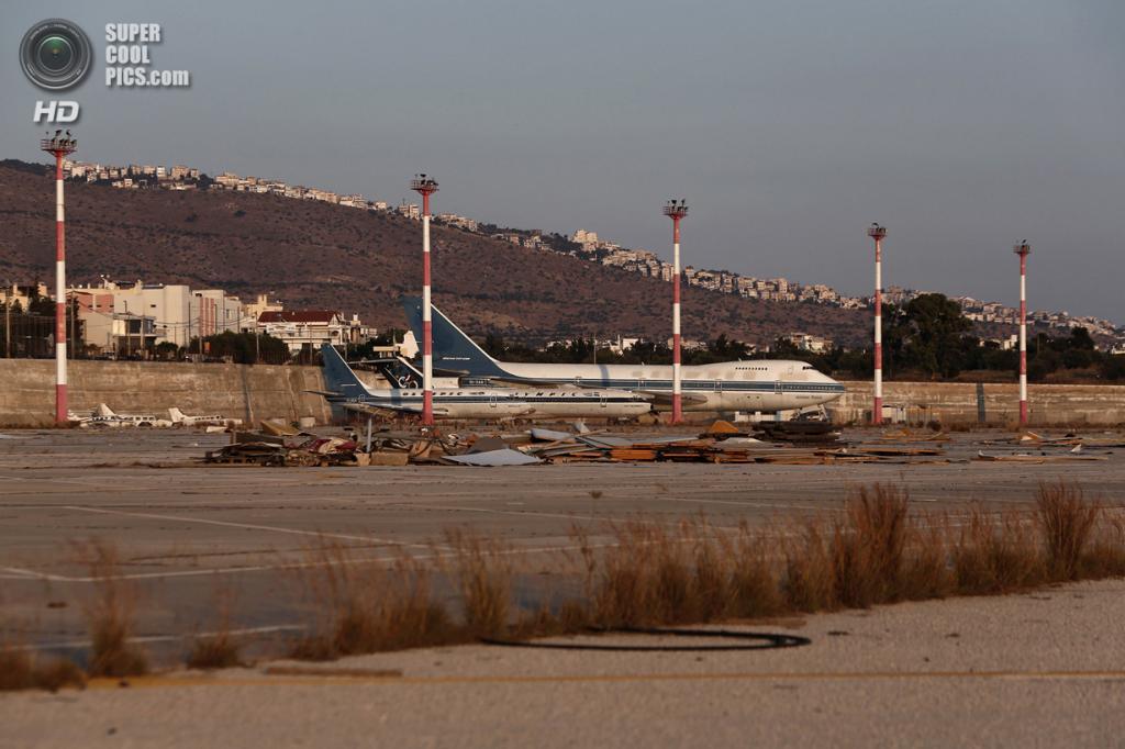 Греция. Афины. 16 июня. Самолёты Olympic Airways. (REUTERS/Yorgos Karahalis)
