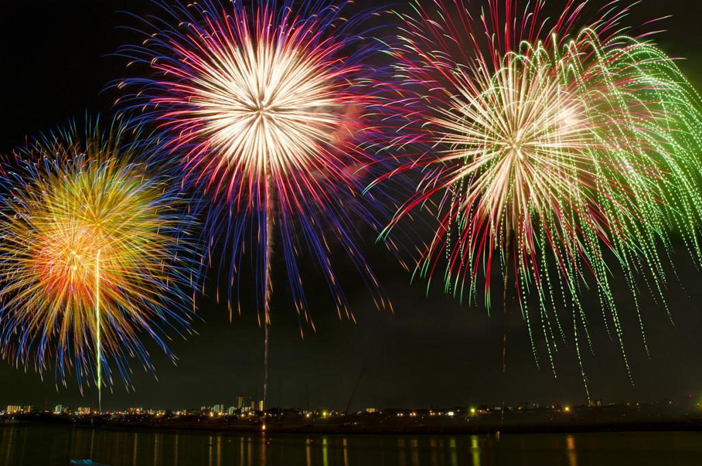 «Огненный цветок». Фестиваль фейерверков в Токио (9 фото)