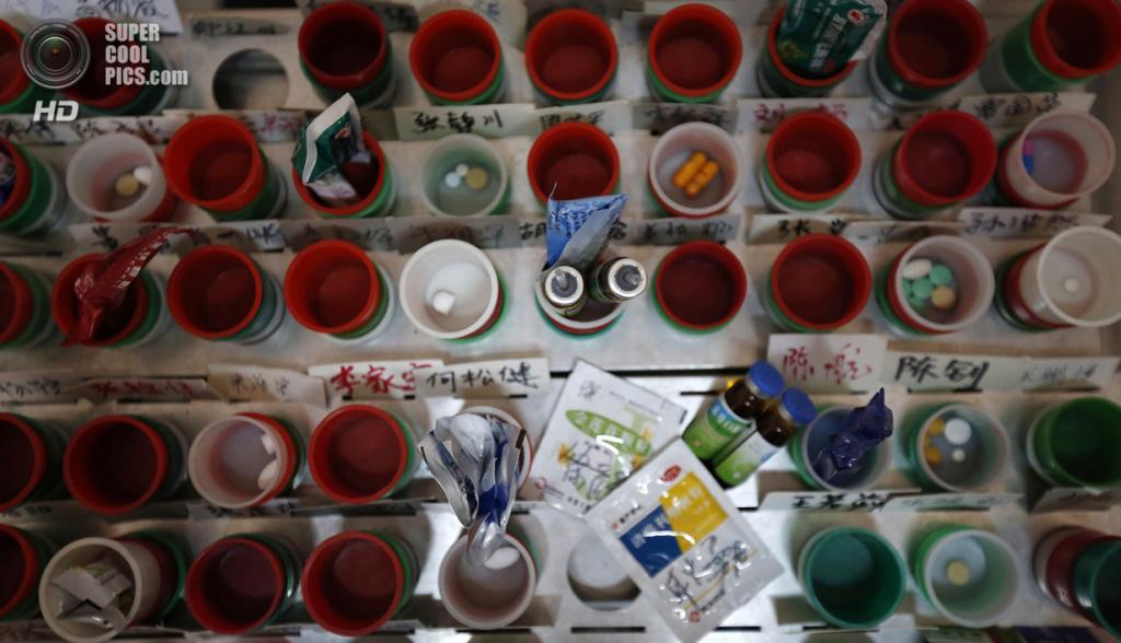 Китай. Пекин. 26 февраля. Лекарства, используемые для лечения Интернет-зависимости в Лечебном центре для Интернет-зависимых «Дасин». (REUTERS/Kim Kyung-Hoon)