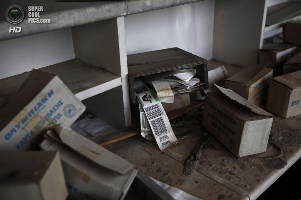 Греция. Афины. 16 июня. Маркировочные знаки. (REUTERS/Yorgos Karahalis)
