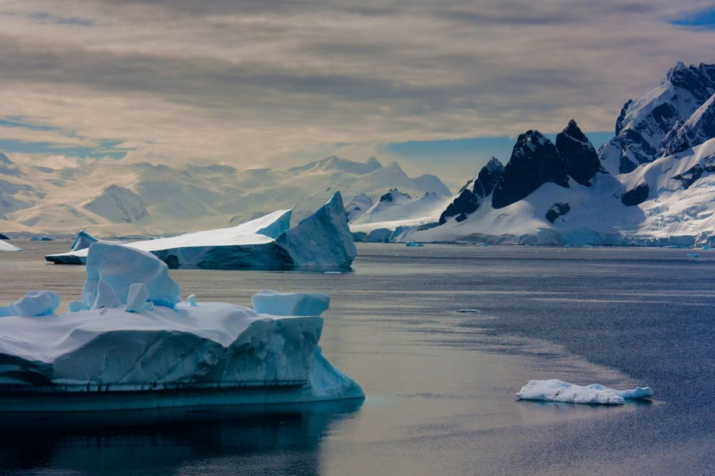 Антарктида. Айсберги. (dpc47)