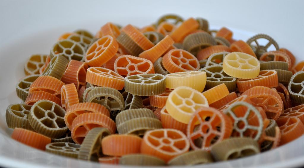 Руоте — паста в виде спирали колёс. Подаётся под густым сырным соусом. (cookbookman17)
