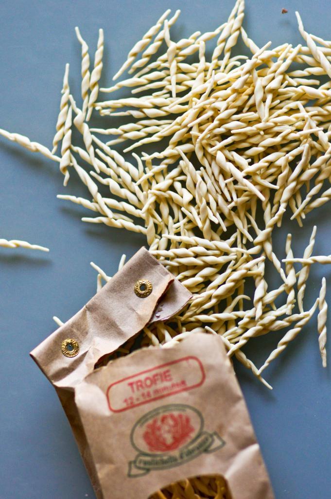 Трофие — паста в виде жгутиков. Блюдо родом из Генуи. (Artizone)