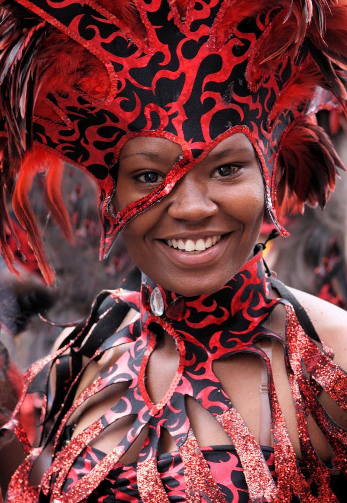 Великобритания. Лондон. Во время Ноттинг-Хиллского карнавала. (Steve Chilton)