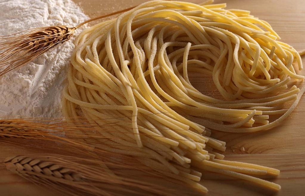 Биголи  — паста в виде длинных полых трубочек. Блюдо родом из Венето. (Terre dei Trabocchi)