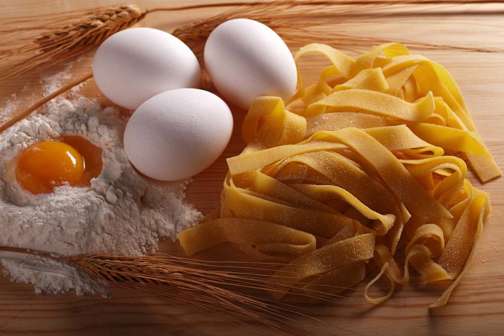 Pappardelle - pasta ribbons in the form of a length of 13 mm.  The dish comes from Tuscany.  (Terre dei Trabocchi)