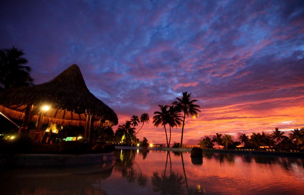 Тихий океан. Остров Таити. (Jon Rawlinson)
