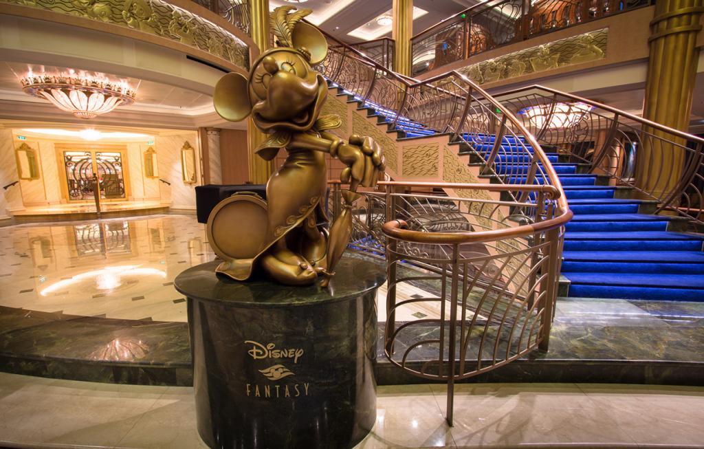 Лайнер круизной компании Disney Cruise Line. (Scott Smith)