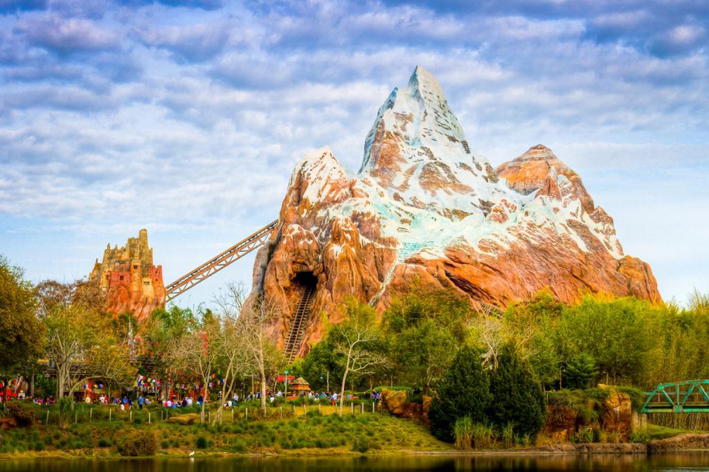 США. Флорида. «Королевство животных» Всемирного центра отдыха Уолта Диснея. Аттракцион «Эверест». (Jeff Krause)