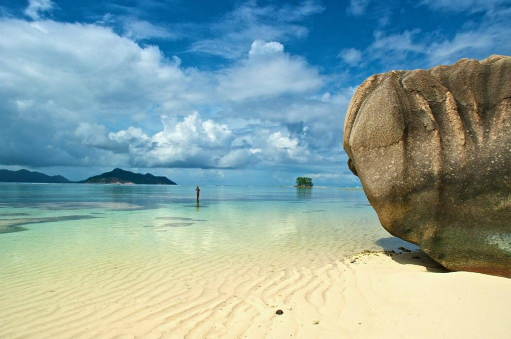 Сейшельские Острова. Ла-Диг. Пляж Ансе Сурс д'Аржан. (Daniela Ritrovato)