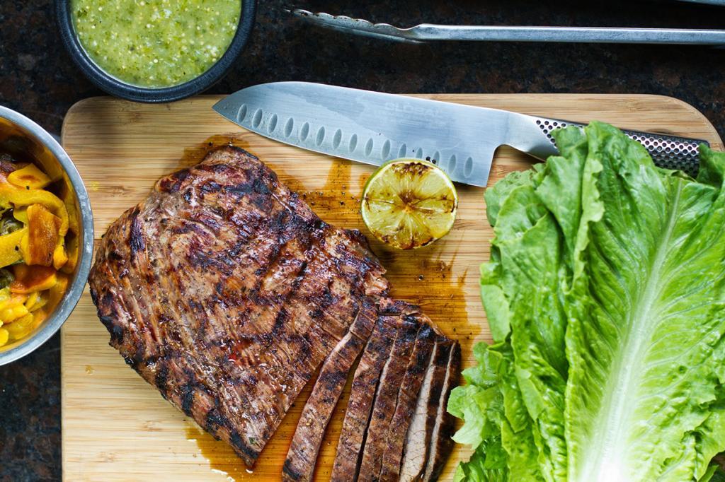 Фахита — жаренное на гриле мясо, которое режется полосками. (Mike)