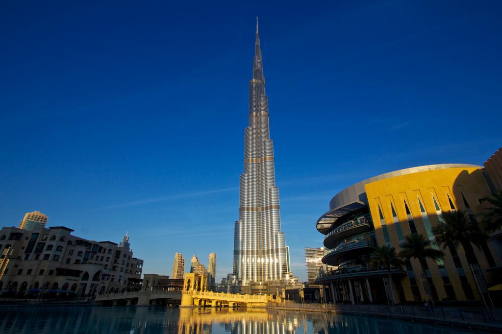 Расположена на 124 этаже небоскрёба Бурдж Халифа, высота которого достигает 828 м. (Dan Heap)