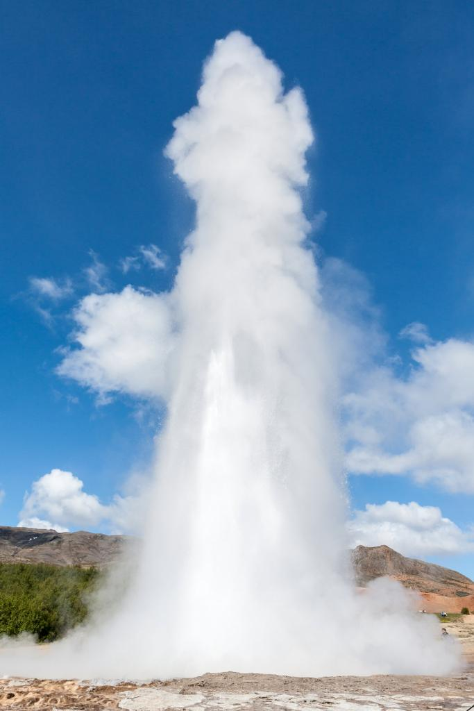 Исландия. Долина Хаукадалур. Гейзер. (Carsten Frenzl)