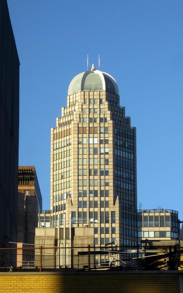 4 место. Сити-спайр-центр — небоскрёб в 75 этажей. (Wally Gobetz)
